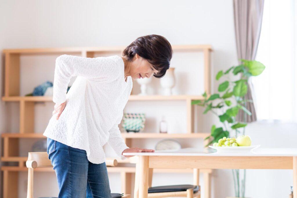 腰痛をまねく様々な原因と改善方法
